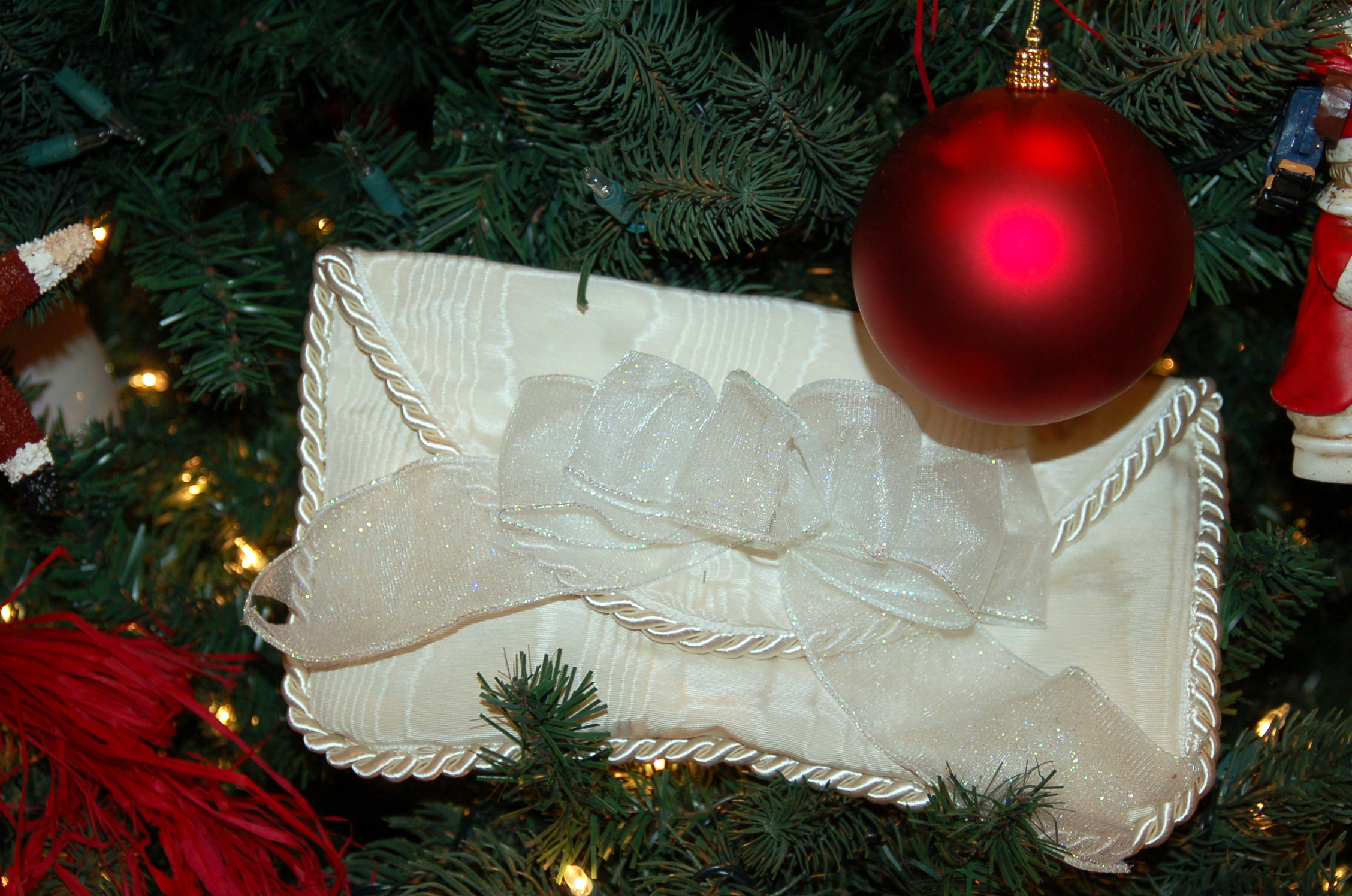 story of christmas tree ornaments