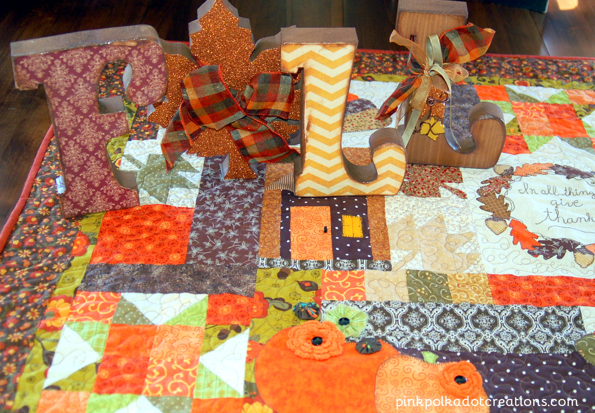 Thanksgiving table quilt pink polka dot creations