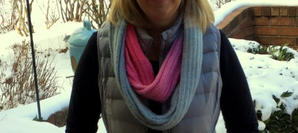 knitted ribbed cowl scarf